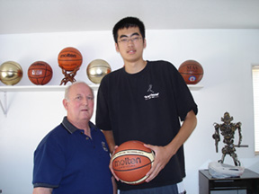 Max Zhang is ready to conquer Pac-10 basketball with Cal